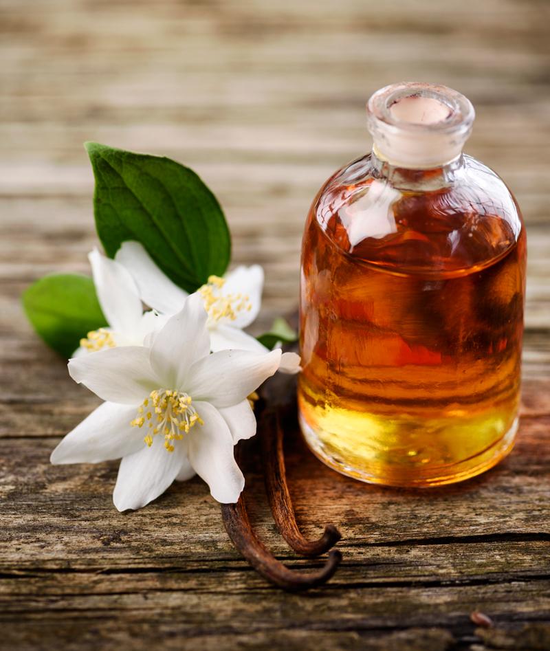 massage-oil-PT3ZUJ4.jpg