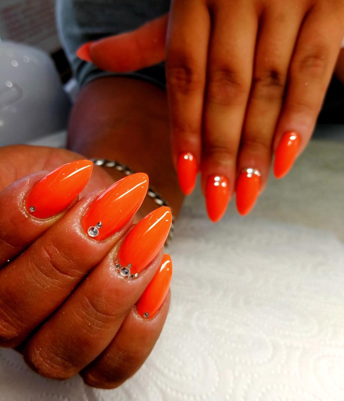 stylizacja-paznokci-Lauren-gleboka-czerwien.jpg